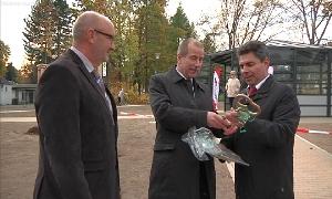 Bürgermeister Uwe Weinert und Michael Tanne, Geschäftsführer von Regiobus