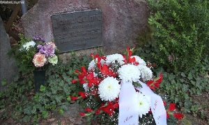 Gedenkstein für Rennfahrer Jimmie Guthrie