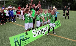 Fußballnachwuchs kämpft um Kreispokale